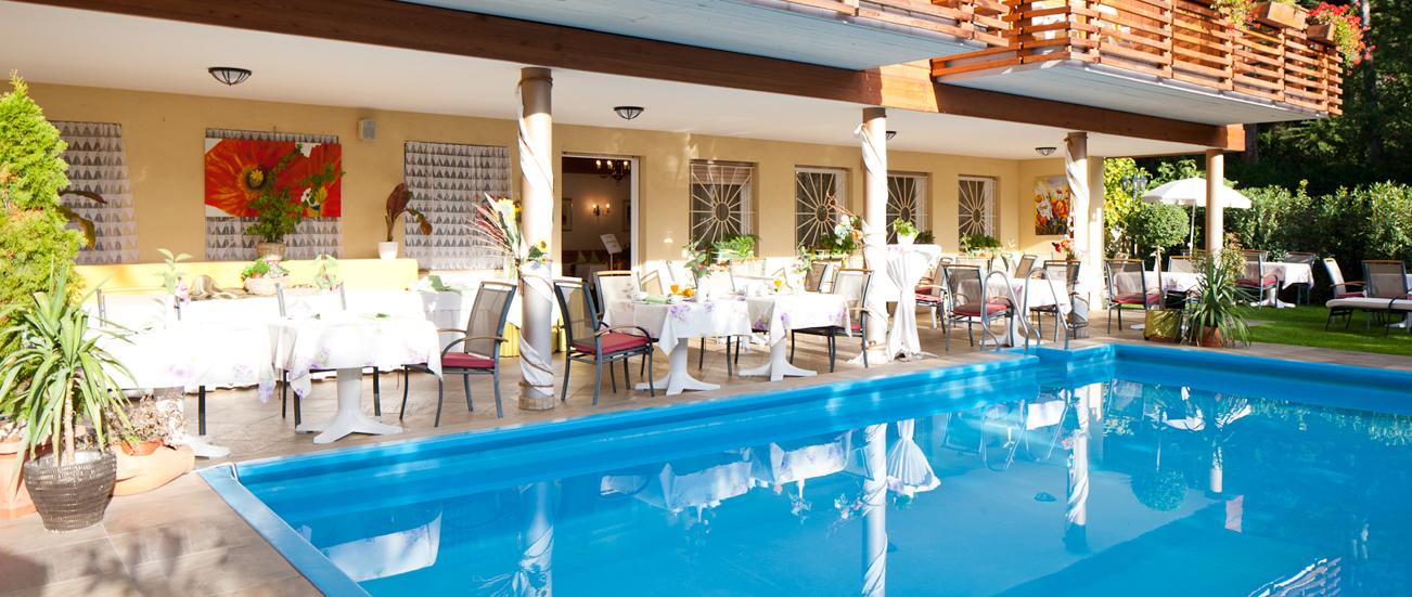 Hotel B&B Aster Meran - Garten & Pool