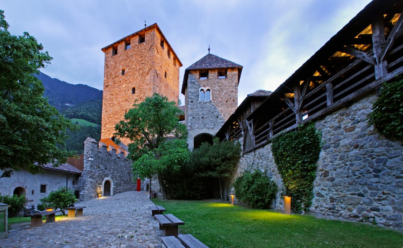 Schloss Tirol bei Meran